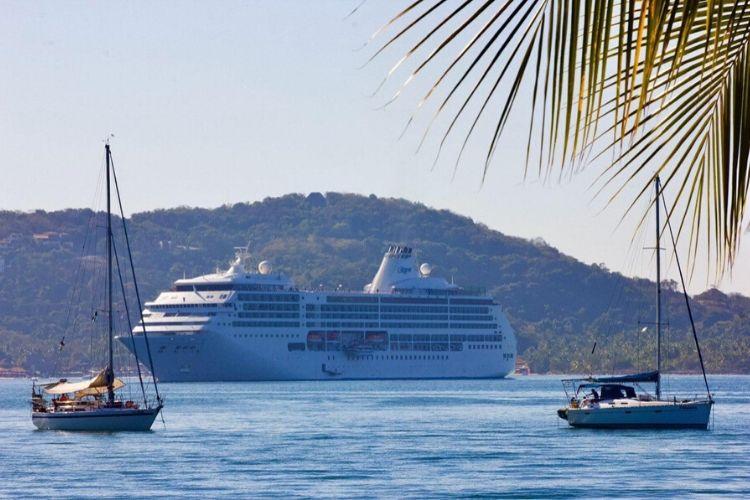 "Arribó a Ixtapa-Zihuatanejo el crucero ""Norwegian Gem"" con 3 mil 400 personas"