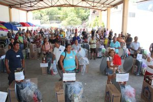 DIF Guerrero entrega proyectos productivos en Acapulco