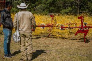 Edomex: entregan maquinaria a comunidades indígenas mazahuas