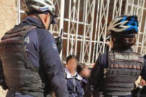 Rescatan a 2 menores de arrojarse de azota en Aguascalientes
