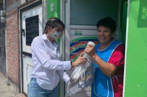 Diputado entrega 10 mil apoyos a adultos mayores en Soledad, SLP