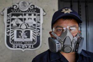 Huixquilucan dota de equipo de protección a personal de emergencia