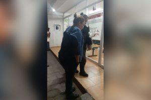 En plena pandemia, regidora de Morena en Axapusco protagoniza pelea callejera